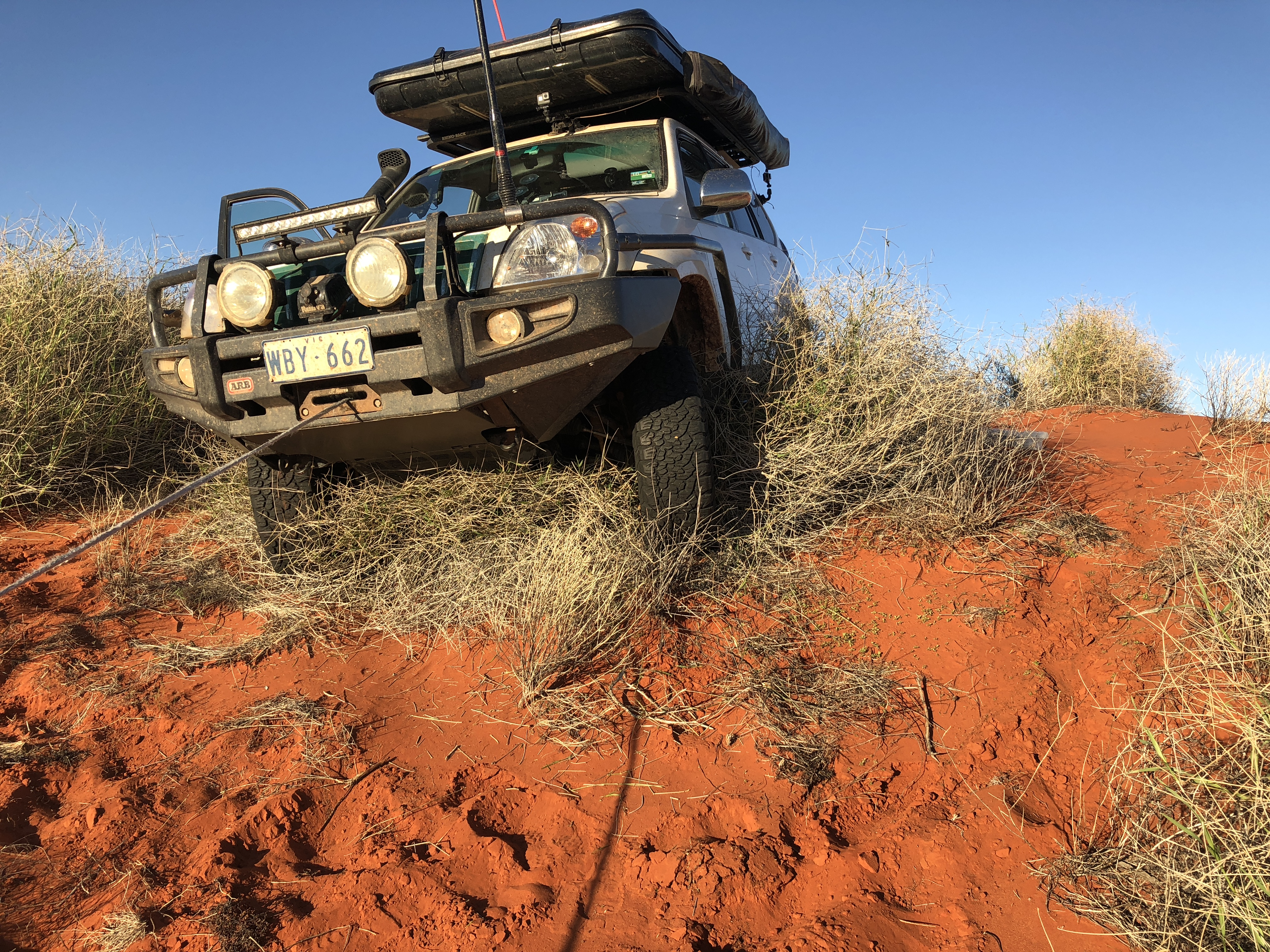 06 - Stuck on Spinifex moutn while corssing a dune.JPG