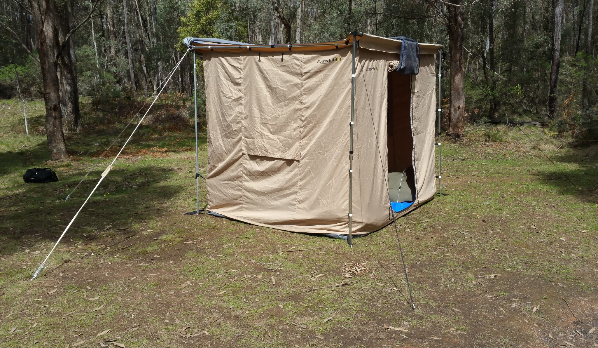 Easy detachable awning/tent | 4x4Earth